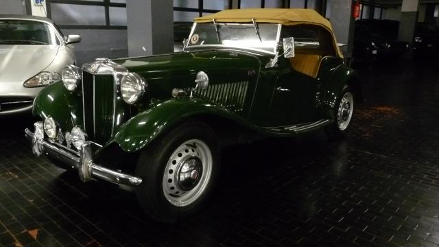 Auto d 39 epoca in vendita milano mg td spider garage soderini for Cianografie d epoca in vendita